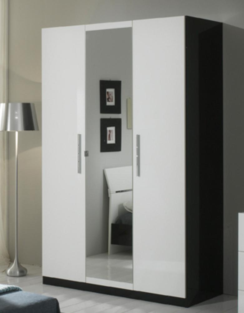armoire blanc et noir
