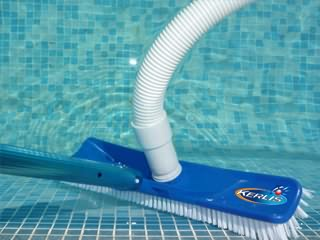 aspirateur balai pour piscine hors sol