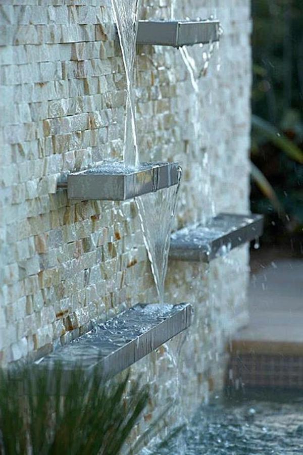 cascade murale exterieure